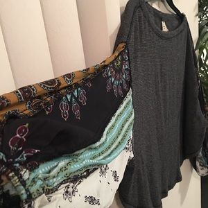 Light sweater with detailed sleeves